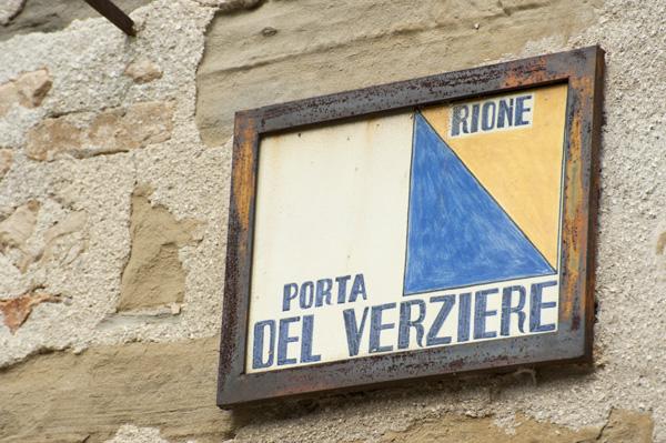 formella porta del verziere Montonein