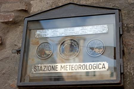 stazione metereologica piazza fortebraccio Montonein