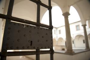 cancellata Chiostro San Francesco - Montonein